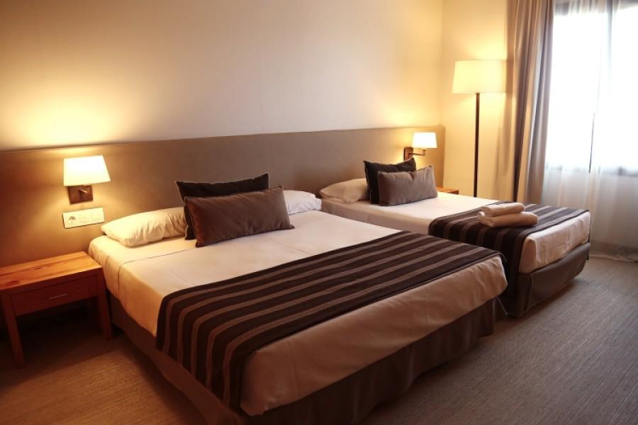 Triple-ventana-Montanya-Hotel-900x600